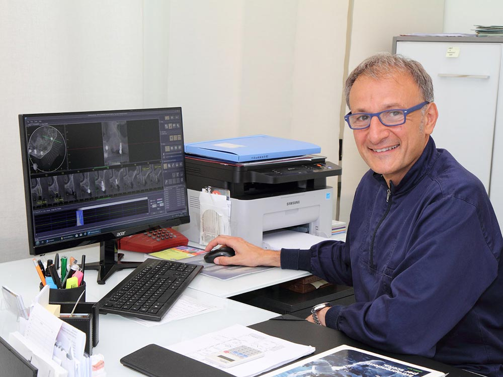 Dottor Antonio Vitullo | Team | Studio Dentistico Vitullo | Dentista a Chieti